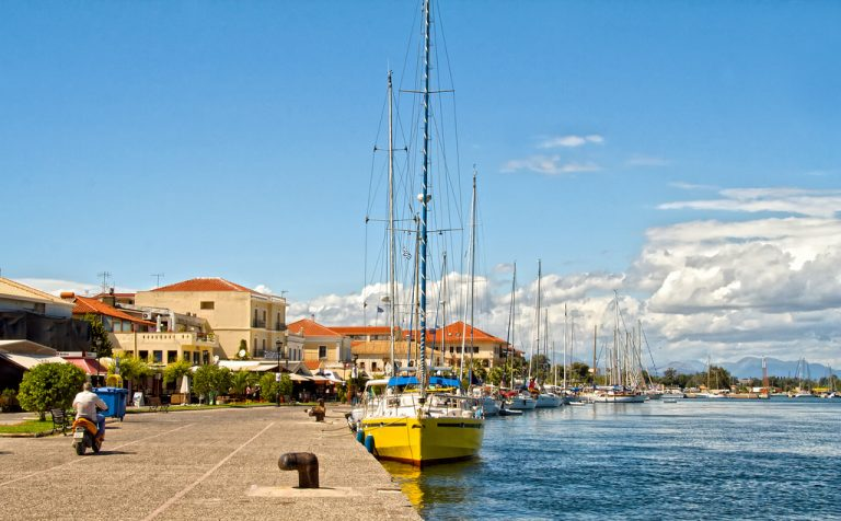 Port_of_Preveza_2013